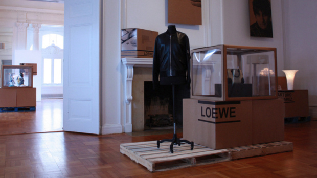 Contemporary-Crafts-Loewe