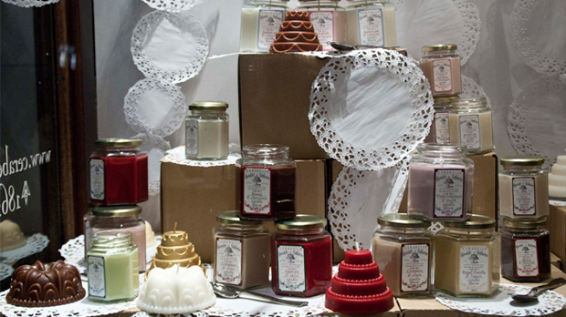 Scented-candles-shopwindow
