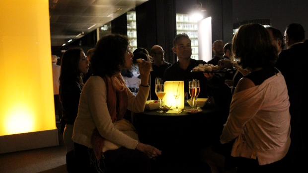 Espelmes a la nit de Barcelona
